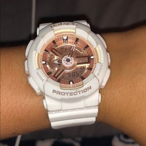 🔅White and Pink Baby G Shock🔅
